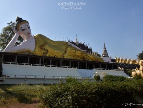 Wat Phra That Suthon Mongkhon Khiri - Thailand